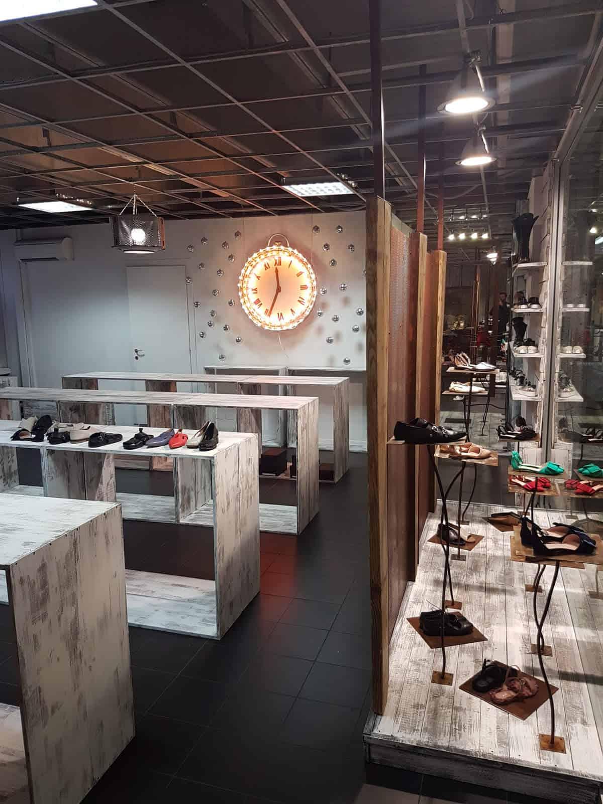 1725a-negozio-bologna-foto1