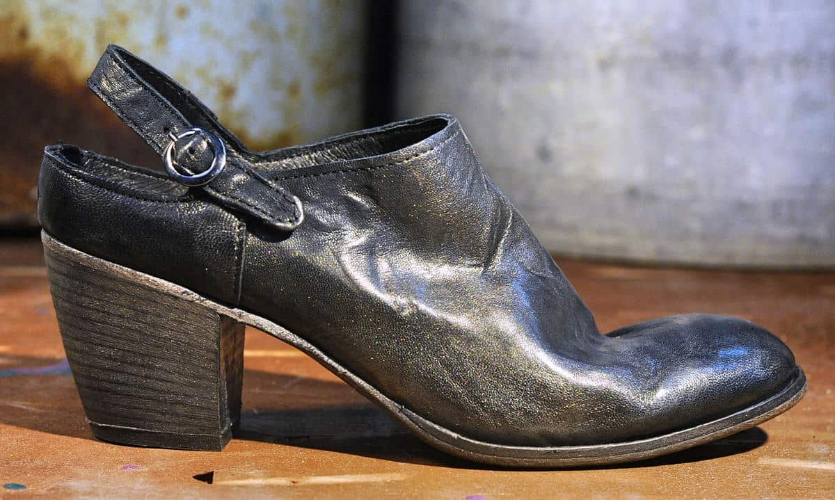 Sabot donna in pelle nera lavorata| 1725.a - scarpe made in Italy