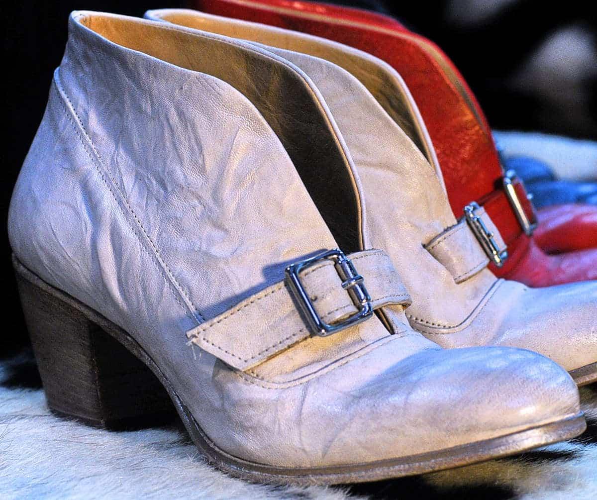 Stivaletti bianchi con fibbia donna in pelle | 1725.a - scarpe made in Italy