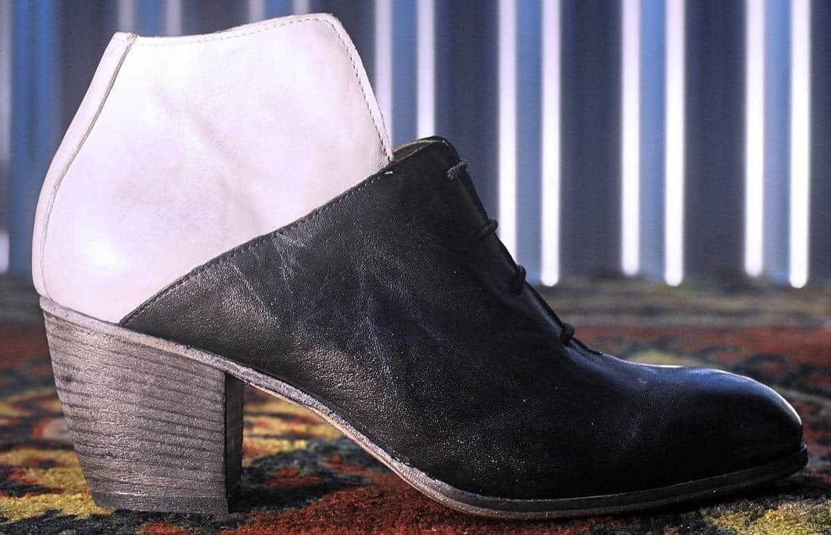 Stivaletto nero e bianco in pelle | 1725.a - scarpe made in Italy
