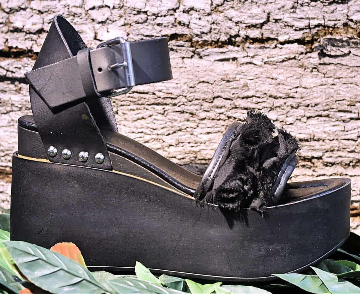 Sandalo nero con zeppa | 1725.a - scarpe made in Italy