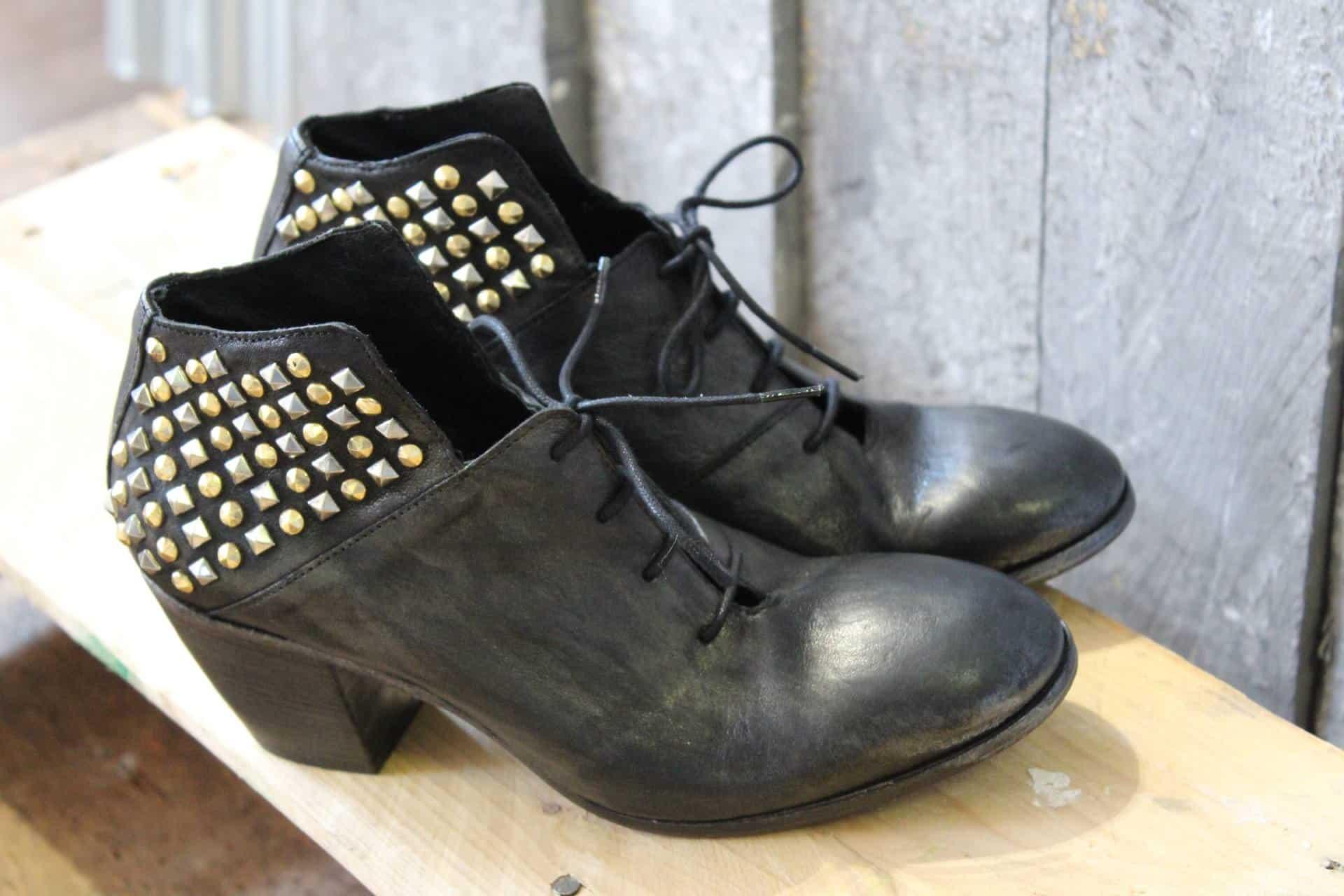 Stivaletti con borchie - 1725.A - scarpe made in Italy